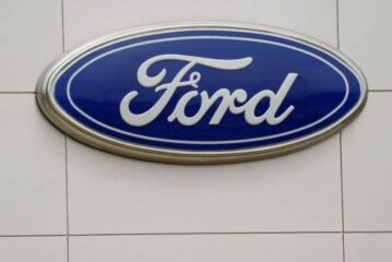 Ford hires exec formerly in charge of Apple's car project