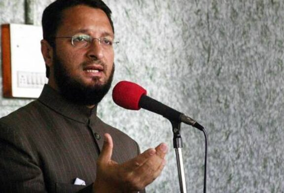 Twitter Divided as Prominent Indian Muslim Leader Shares ex-CIA Operative View on Muslims' Status